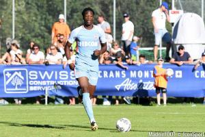 Terence Kongolo pourrait rejoindre Huddersfield cet hiver.