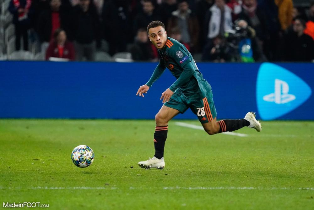 Sergiño Dest sous les couleurs de l'Ajax