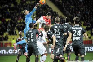 Nicolas PENNETEAU  / James RODRIGUEZ  - 20.12.2013 - Monaco / Valenciennes - 19eme journee de Ligue 1