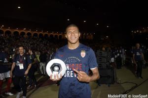 Manchester United revient à la charge pour Mbappe