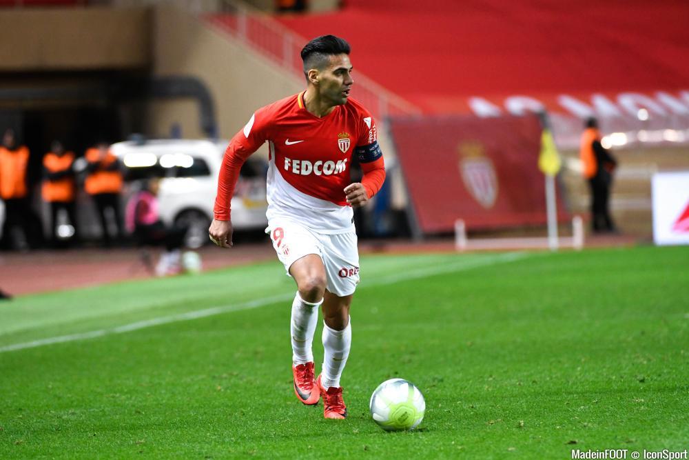 Milan envisagerait un échangé André Silva-Falcao
