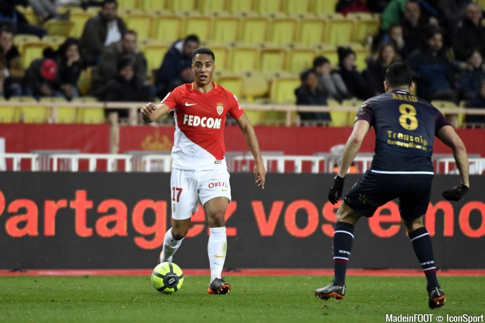 Youri Tielemans quitte définitivement l'AS Monaco pour poser ses valises à Leicester City.