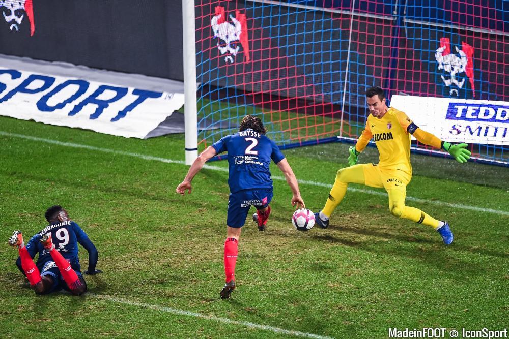 Benaglio s'est blessé avant la rencontre face à Rennes.