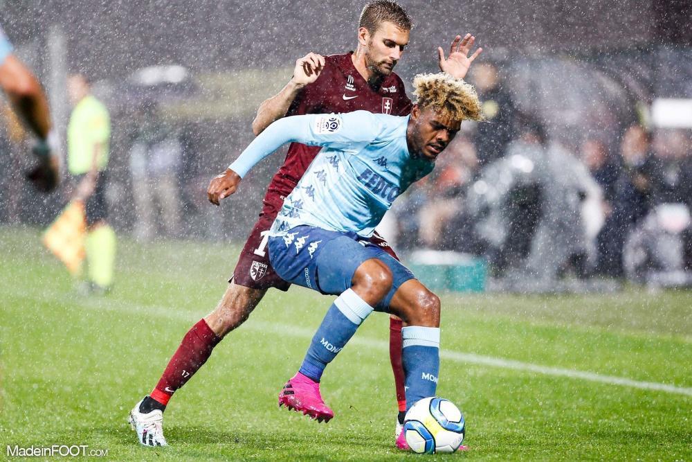 Foster rejoint Guimarães