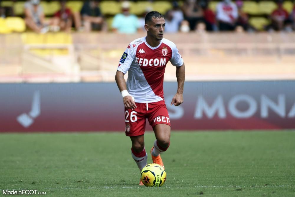 Aguilar dans l'équipe-type