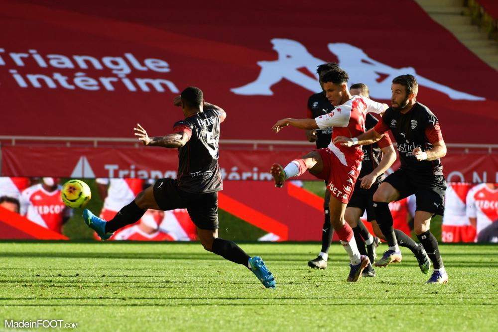 Monaco s'impose (3-0) face à Nîmes