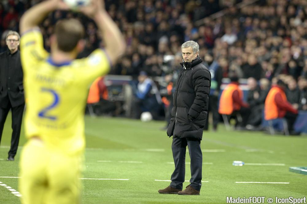 José Mourinho n'abandonnera pas Chelsea. Falcao pourrait y être contraint.